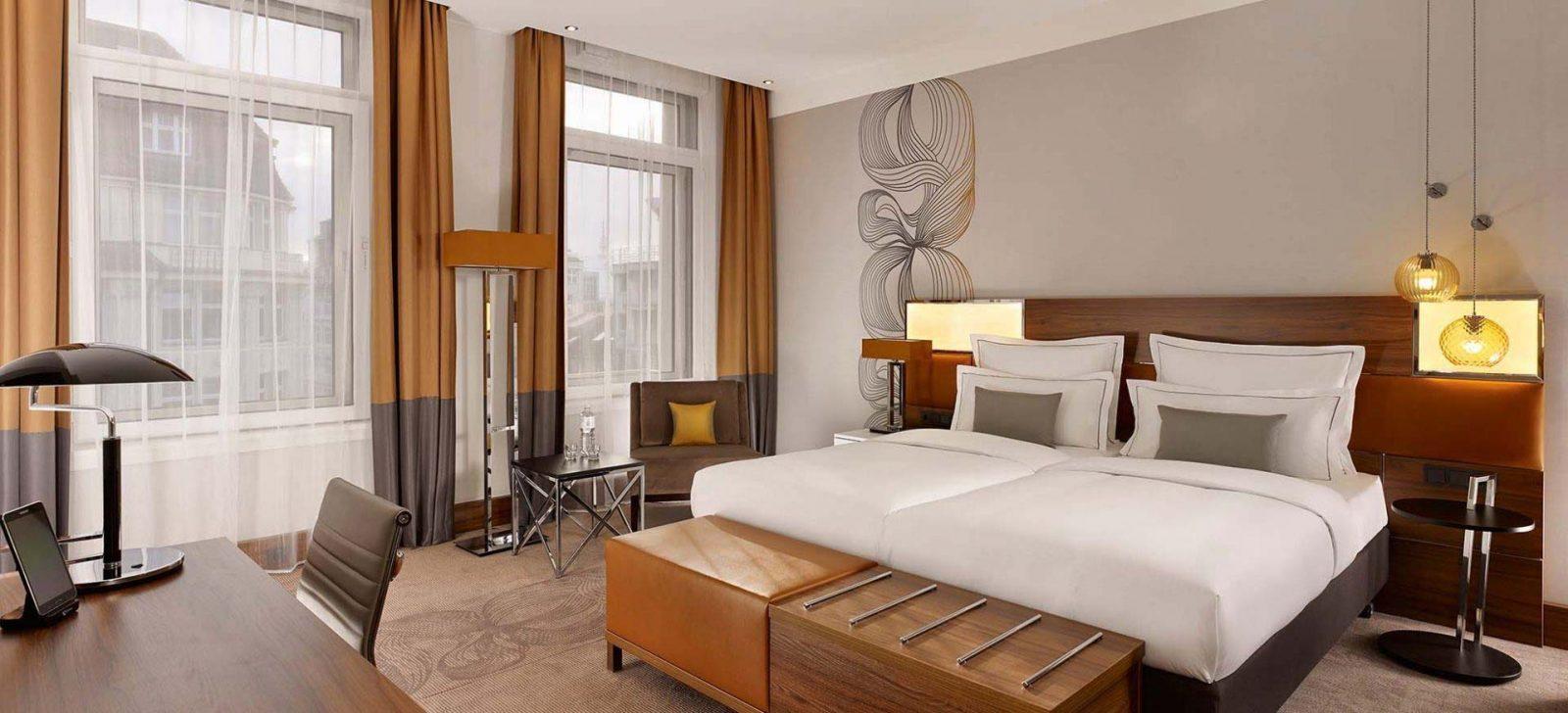 Reichshof Hotel Hamburg Extra Large Zimmer / Extra Large Room